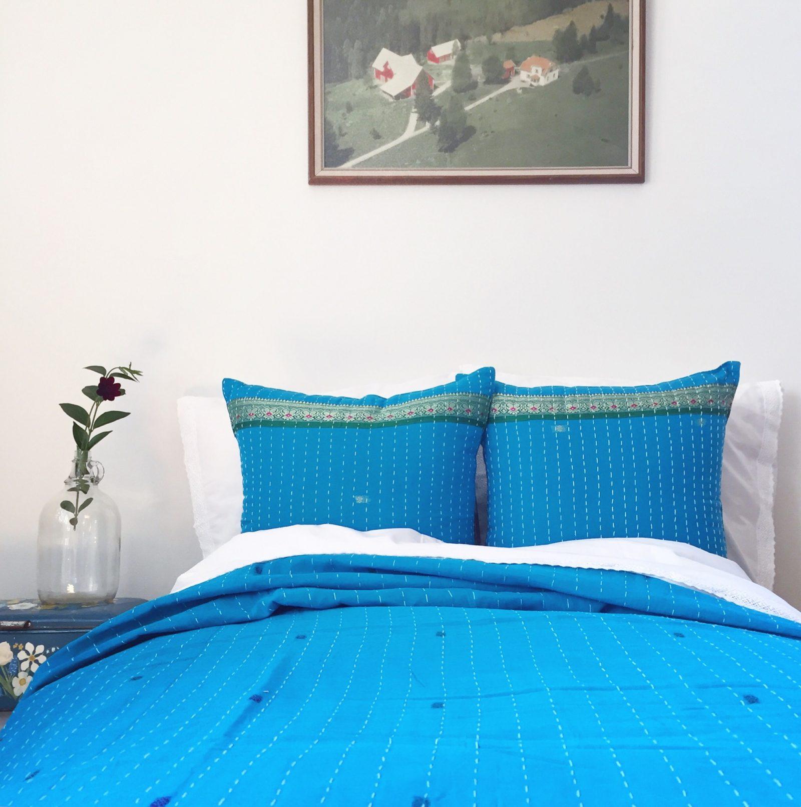 Indiskt överkast - inredning, sovrum, interiör, design